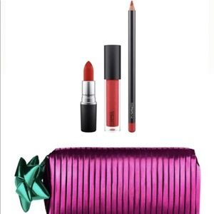 mac shiny pretty things Goody Bag Gift Set